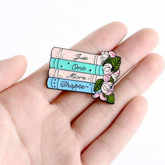"""Emaille Anstecker """"Just one more chapter"""" Enamel Pin Kawaii Shop"""